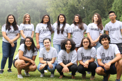 Picture of the Youth Council outside of El Pueblo's office in the summer of 2017.